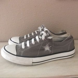 Converse Chuck Taylor One Star Sneakers